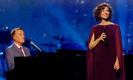 Amy Grant & Michael W. Smith – Concert Unspeak 'Christmas' [Live]